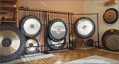 Gongs in Riesenauswahl - Copyright STEINKLANG